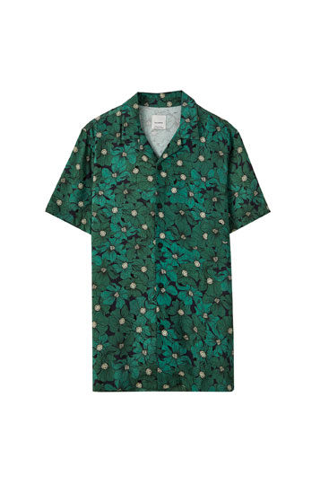 Green shirt with floral print