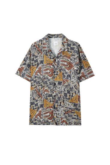 Brown shirt with geometric print