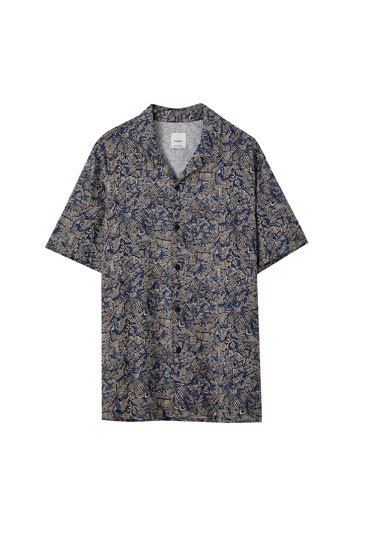 Camisa azul print geométrico