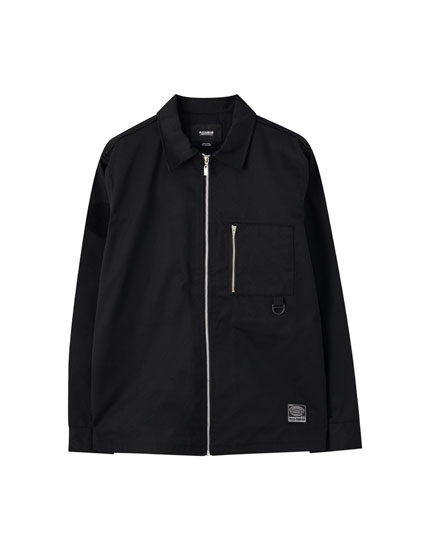 Black overshirt with zip closure