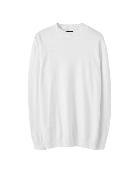 High neck sweater with long sleeves