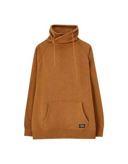 Basic funnel neck sweatshirt