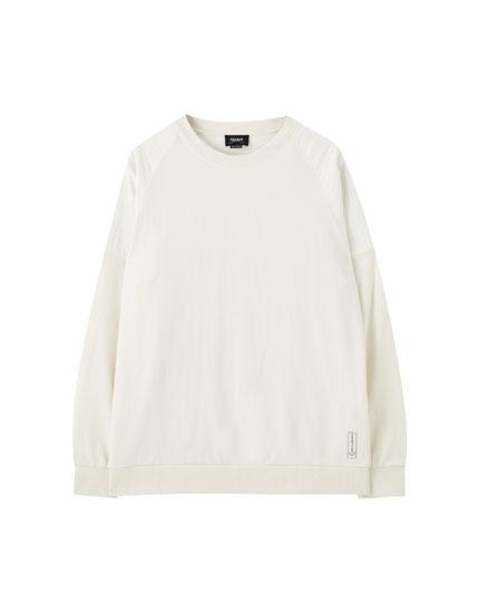 Oversize-Sweatshirt mit kombinierten Stoffen