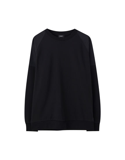 Oversized sweatshirt in contrasting fabric