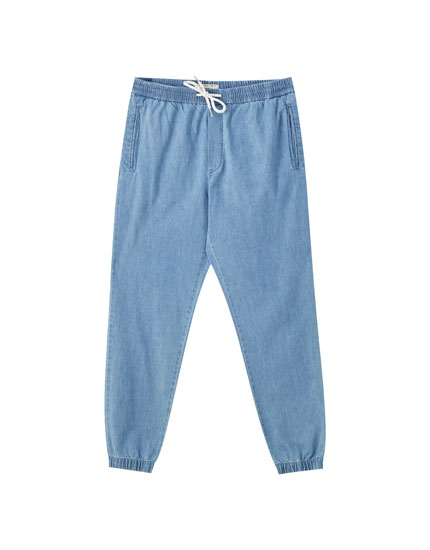 Beach-style jeans with an elastic waistband