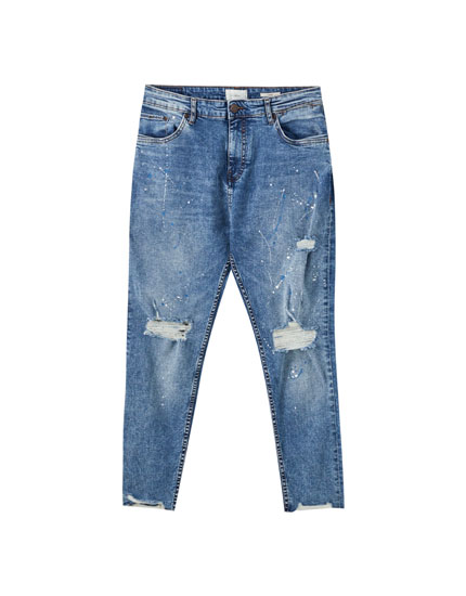 Carrot fit jeans with ripped legs