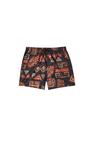 Bermuda shorts with contrast geometric print