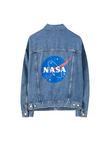 Chamarra denim NASA oversize