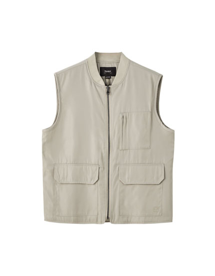 Basic gilet with multiple pockets