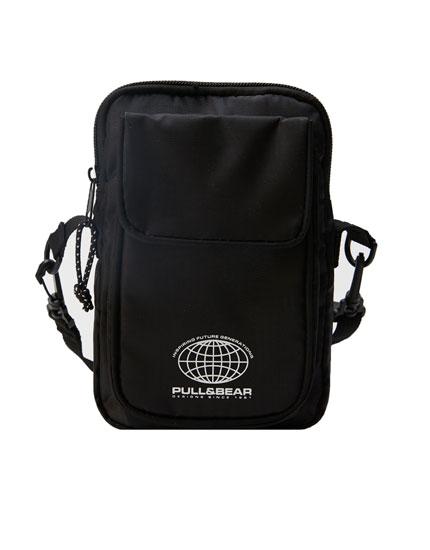 Μαύρη τσάντα χιαστί με λογότυπο
