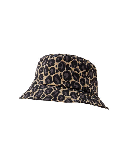 Gorro bucket estampado leopardo