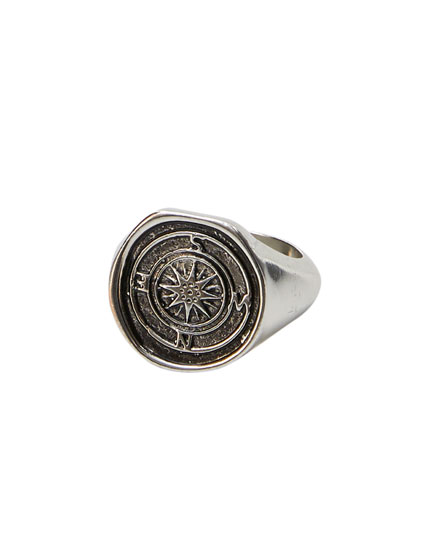 Wind rose signet ring