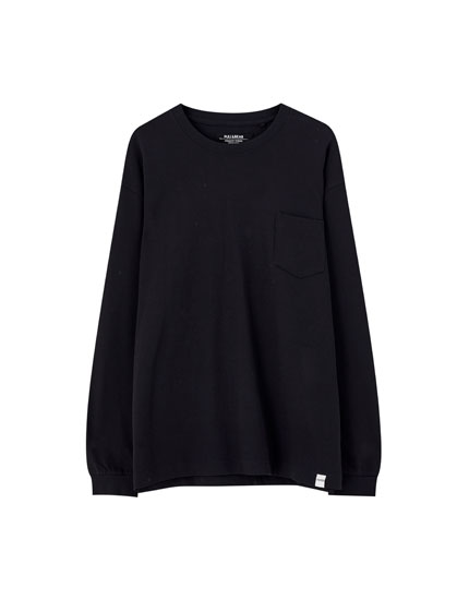 Long sleeve t-shirt with pocket
