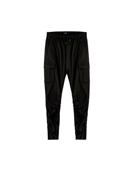 Cargo trousers with zips