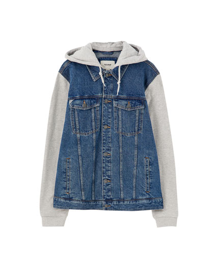 Contrasting hooded denim jacket
