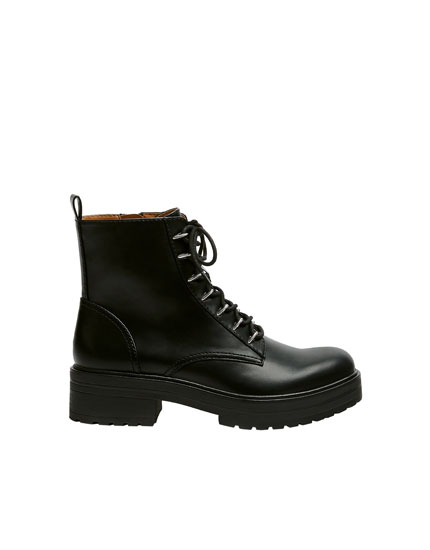 Urban ankle boots with metal details