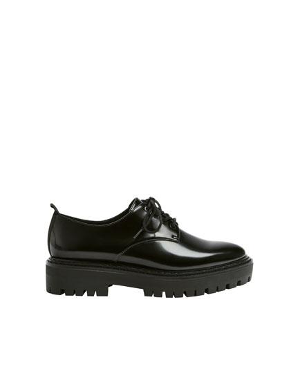 Μαύρα φλατ παπούτσια