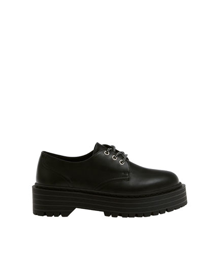 Black derby shoes with platform