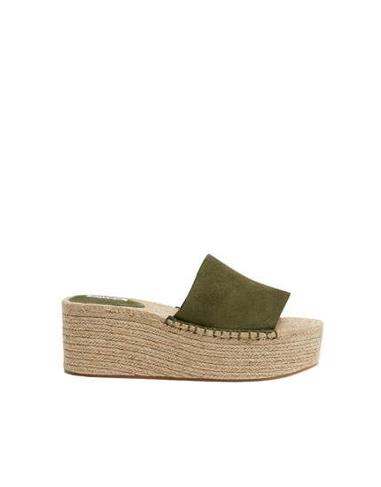 Green jute leather wedges