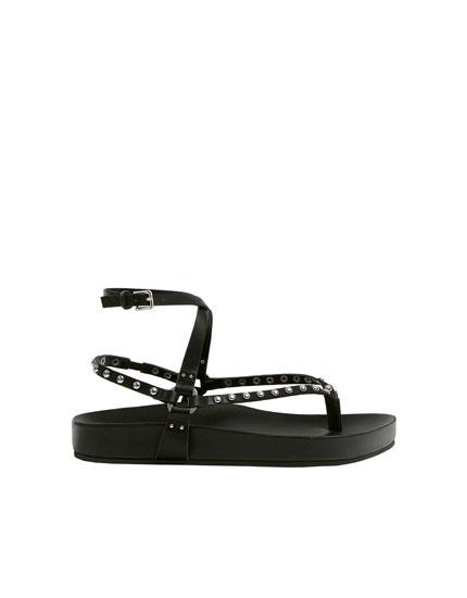Sandales noires à rivets