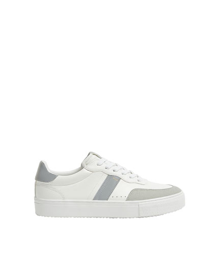 Chunky sneakers with side stripes