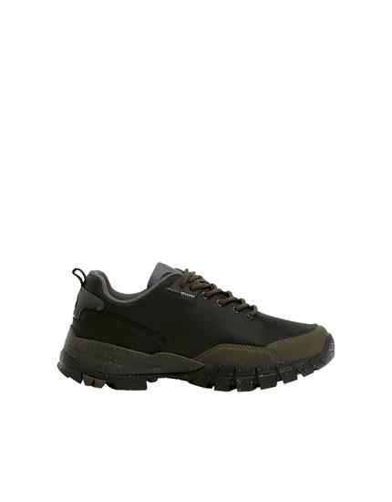 Αθλητικά ορειβατικά παπούτσια