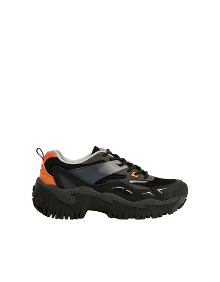 Hiking shoes with side trim detail