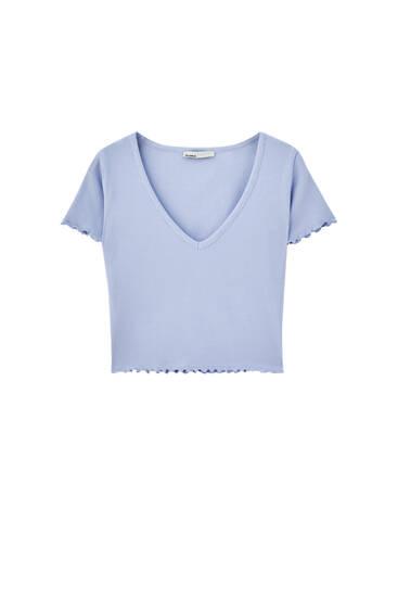 Camiseta cropped básica escote pico