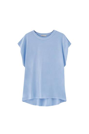 Basic T-shirt with asymmetric hem - 100% ecologically grown cotton