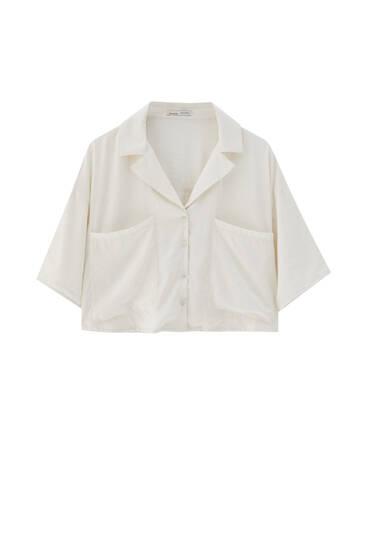 Lapel collar shirt with pockets