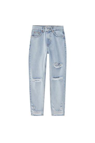 Mom-Fit-Jeans mit Rissen am Knie