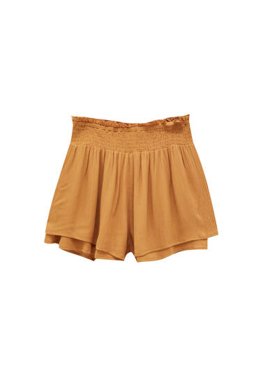 Flowing shorts with elastic waist