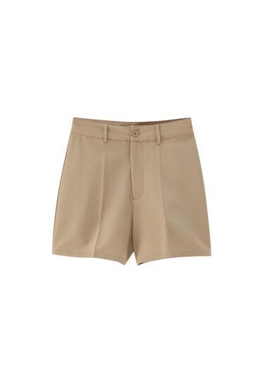 Tailored Bermuda shorts with darts