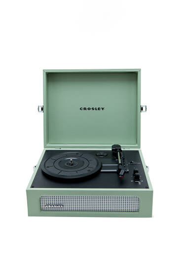 Crosley Voyager record player