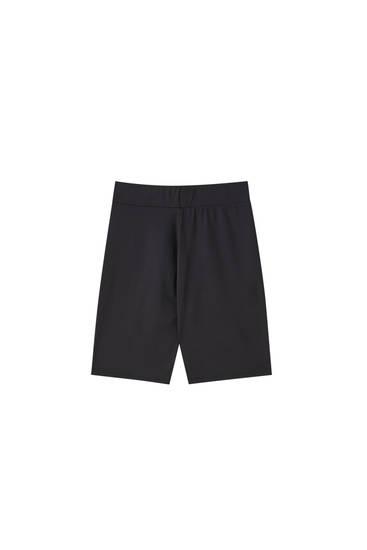 Black seamless cycling shorts