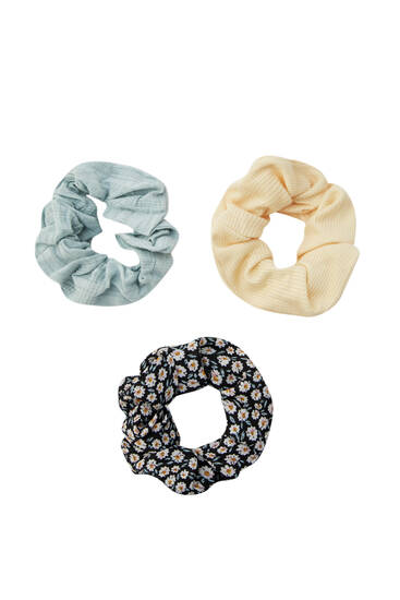 Pack of daisy print and pastel scrunchies