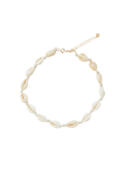 Seashell choker necklace