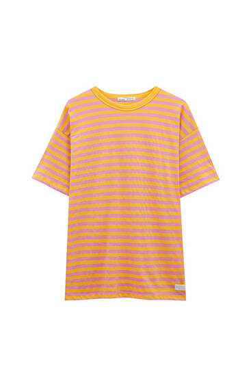 T-shirt with colourful stripes