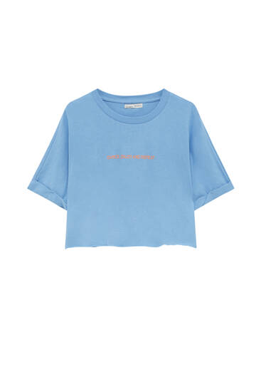Camiseta básica cropped texto