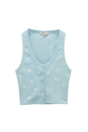 Floral top with embroidery and buttons