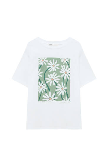 White T-shirt with daisy graphic