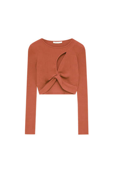 Cut out T-shirt with long sleeves