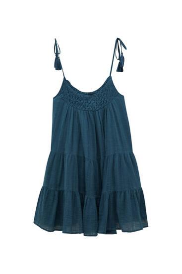 Vestido corto tirantes detalle escote