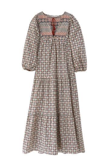 Lepršava duga haljina s uzorkom