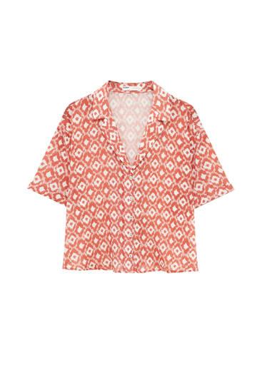 Camisa estampada cuello solapa