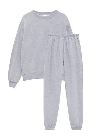 Súprava s mikinou a teplákovými nohavicami