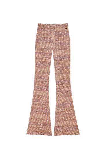 Παντελόνι καμπάνα από μελανζέ ύφασμα