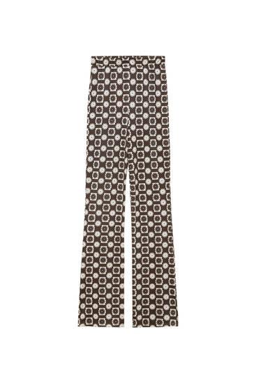 Παντελόνι σε ίσια γραμμή με καρό σχέδιο και μαργαρίτες