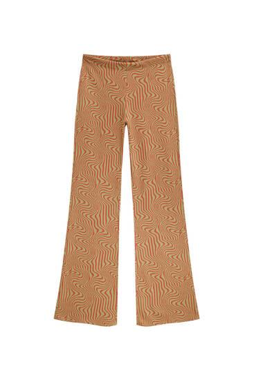 Παντελόνι σε ίσια γραμμή με ψυχεδελικό τύπωμα
