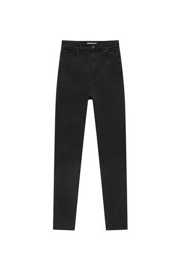Elastische Skinny-Jeans mit sehr hohem Bund